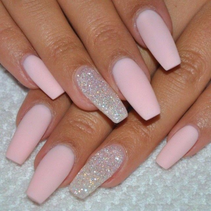451922_100-delicate-wedding-nail-designs