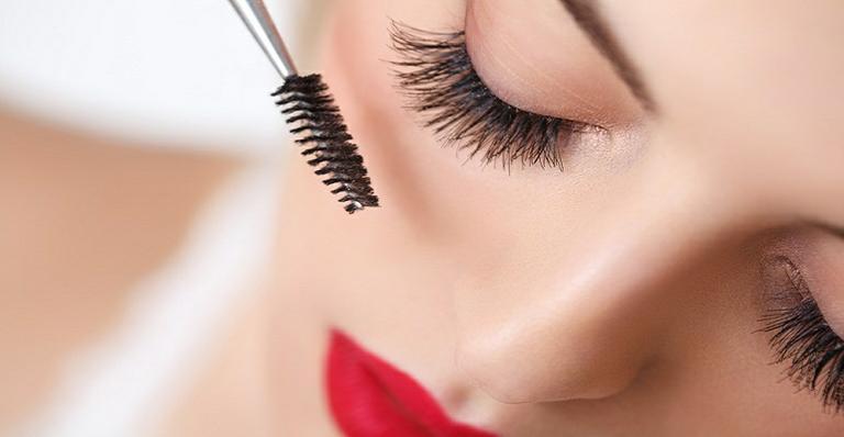 img-631826-maquiador-indica-como-evitar-cinco-erros-ao-aplicar-mascara-20140916161410896243